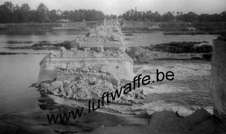 F-45000 Orléans. 1940. Ruines d'un pont (WH1)