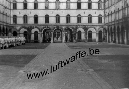 F-59140 Dunkerque. Cour de la caserne en 1940 (WH10)