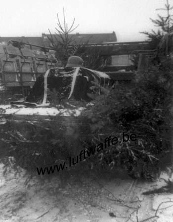 F-62185 Frethun. 1941. Inhumation (4) (WL544)