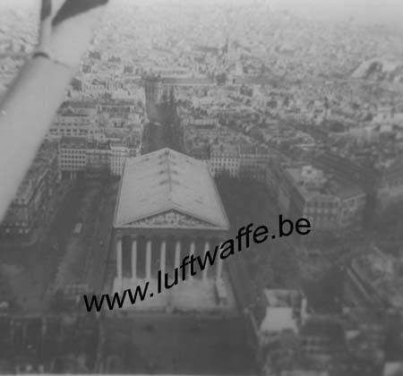 F-75000 Paris. 1940. Vue aérienne d'un Storch (WL466)