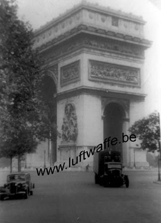 F-75000 Paris. 1942 (2) (WL381)