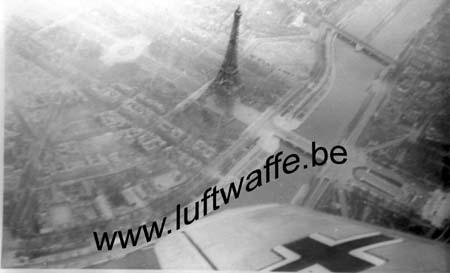 F-75000 Paris. 1942. Vue du ciel