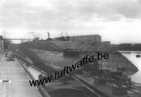 F-76600 Le Havre. 1941. Le 'Paris' retourné (WL609)