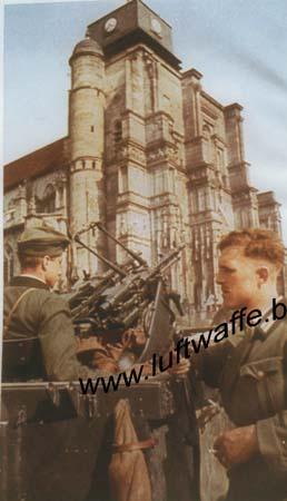 F-Mai 40. DCA et église (WH91)