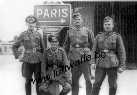 F-Mai 40. N.17 vers Paris (WH77)