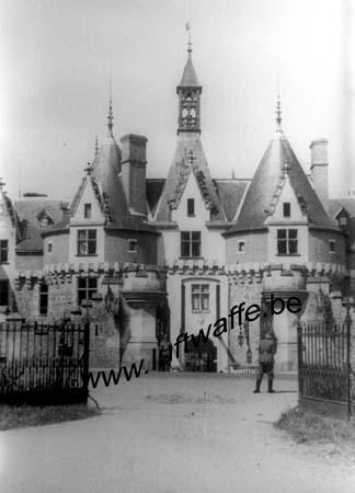 F-Mai-juin 40. AOK 4. Château (4)