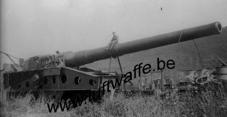 F-Mai-juin 40. Canon français sur rail capturé (WH1)