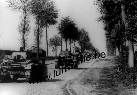 F-Mai-juin 40. Colonne entre Cambrai et Arras (AR3)
