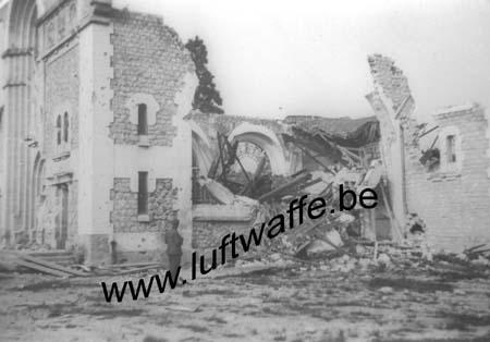 F-Mai-juin 40. Eglise détruite (AR52°