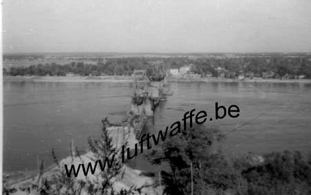F-Mai-juin 40. Pont détruit (1) (AR59)