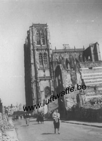 F-Nord de la France. 1940. Une cathédrale (WH70)