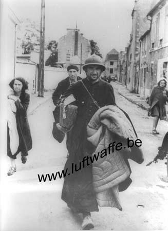 F-Normandie. 1944. Un village évacue (AR41)