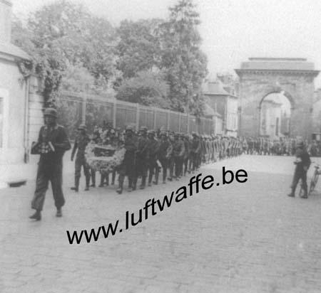 F-Sud de la France. 1943. Inhumation d'un FJ (2) (WL24)