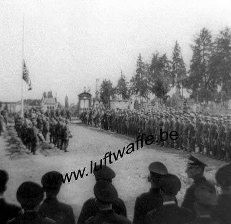 F-Sud de la France. 1943. Inhumation d'un FJ (3) (WL24)