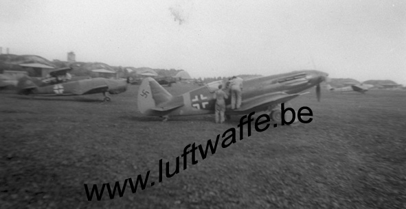 SP-captured Jak in Varsovia. Aug.41 (WL65)