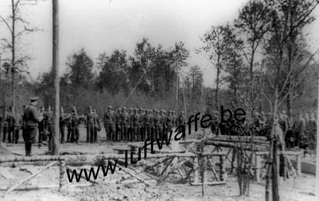 F-02840 Athies. Mai 44. Inhumation (1) (WL66)