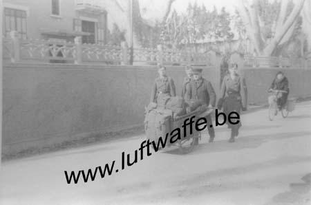 F-13200 Arles. 1944. Arrivée (WL334)