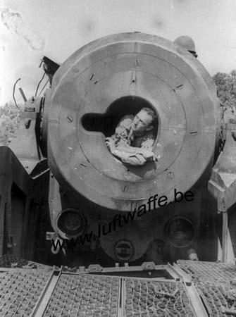 F-26000 Valence. 1944. Canon sur rail capturé (2) (AR87)