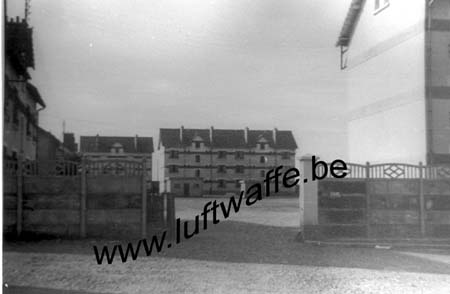 F-28100 Dreux. Caserne. Juin 42 (77.65)