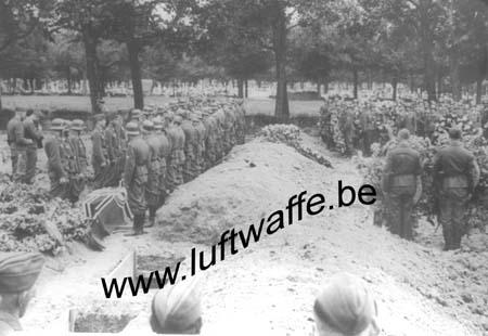 F-35000 Rennes. 1943. Juin. Inhumation (WL75)