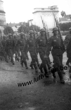 F-41000 Blois. 1941. Parade (1) (WL542)
