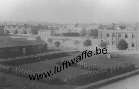 F-49000 Angers. Caserne. Parade. 1941 (2) (WL227)