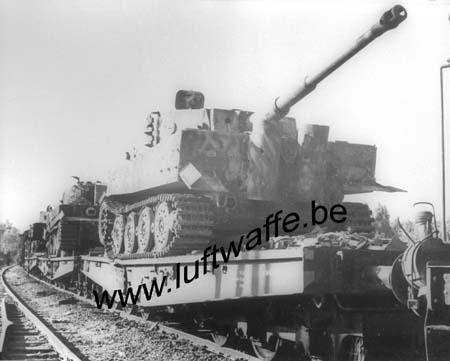 F-51100 Reims. 44. Train allemand détruit (AR32)