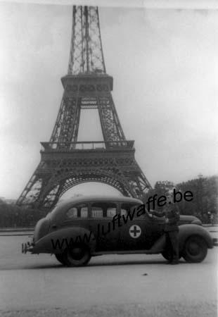 F-75000 Paris. 1942. Tour Eifel (WH57)