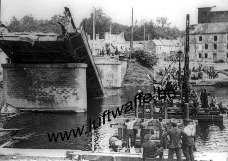 F-02290 Vic sur Aisne. 40-41. Pont reconstruit (WH92)
