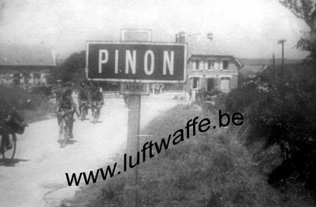 F-02320 Pinon. Vers 1942 (WH57)